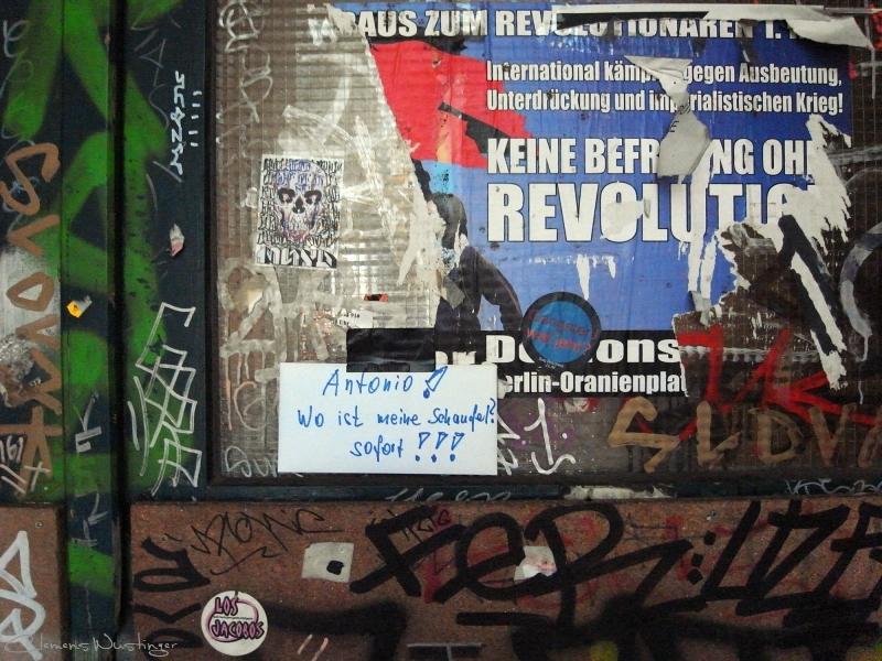20110318144207 revolution r0013868 l c 50 in Strasse