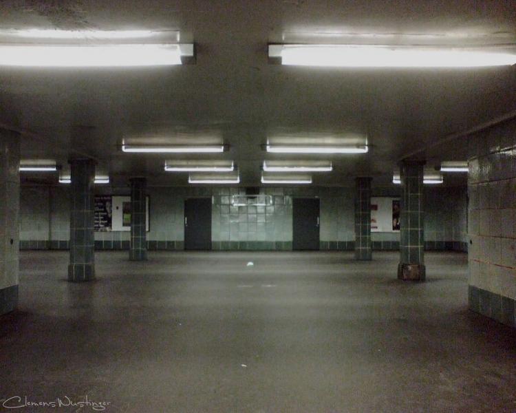 20110927231600 underground img537 in