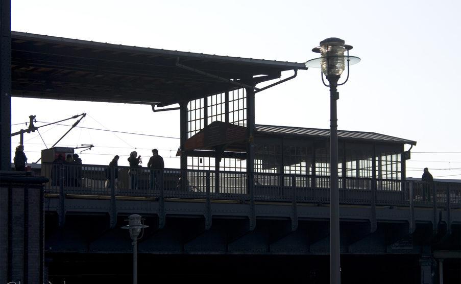 train station scene                                        4/5(1)