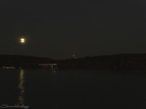 20151122004520 moonhouseboat in